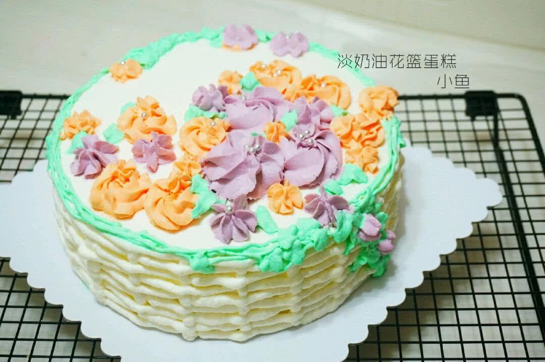 蛋糕上画画一样,新手在制作中总会遇到各种麻烦,然后你就把它当做一幅