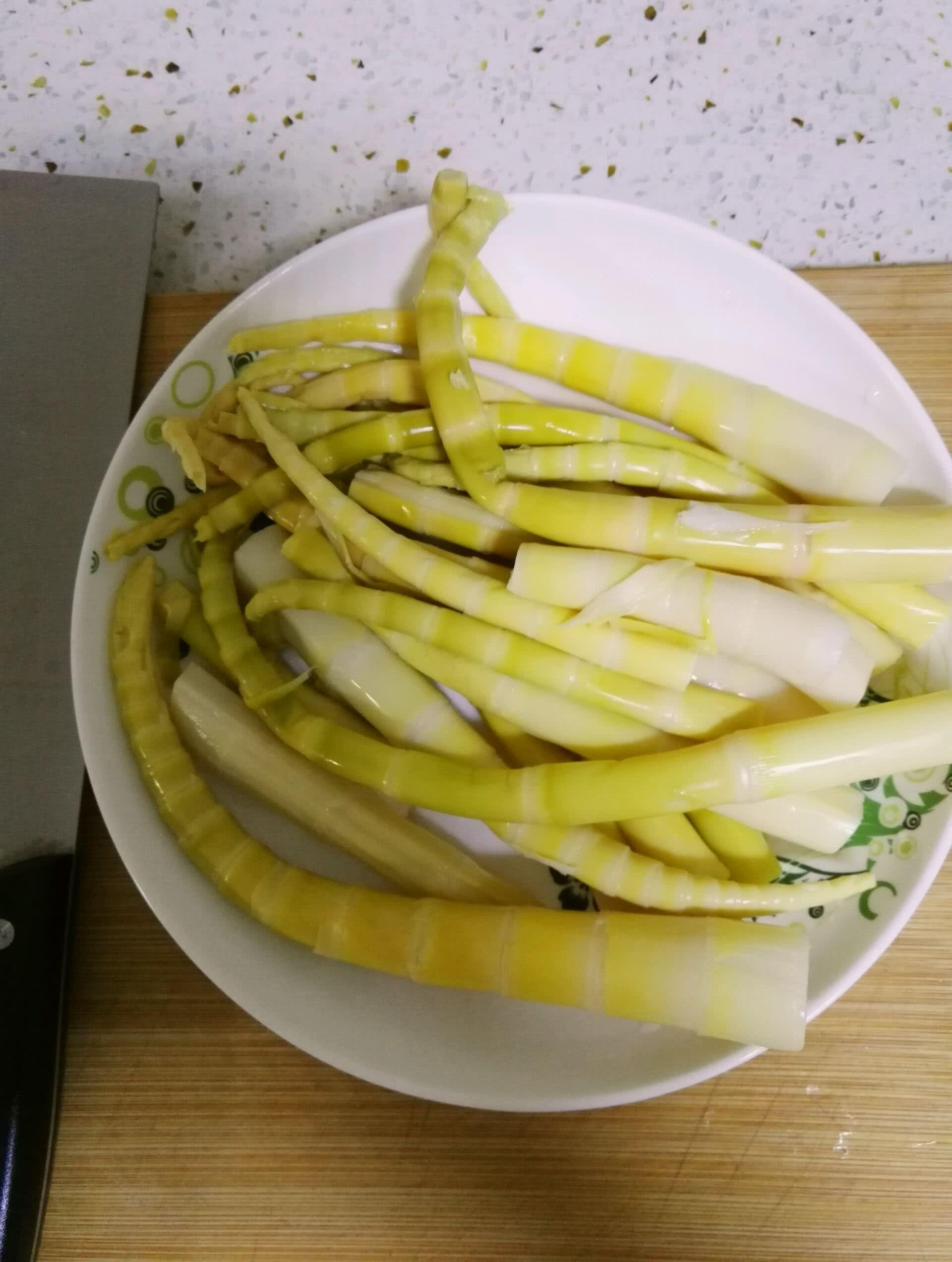 竹笋炒肉的做法步骤