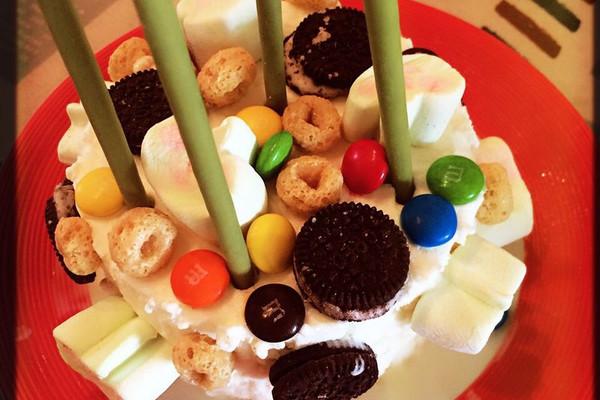 花式冰淇淋的做法 花式冰淇淋怎么做如何做好吃 花式冰淇淋家常做法