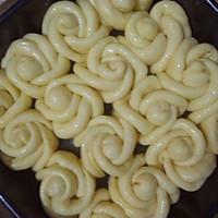 玫瑰花椰蓉面包的做法图解9