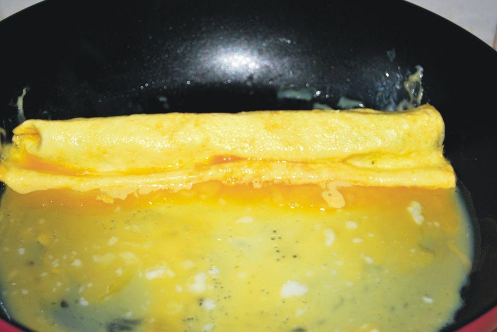 芝士蛋皮秋葵卷#百吉福芝士片创意早餐#的做法图解10