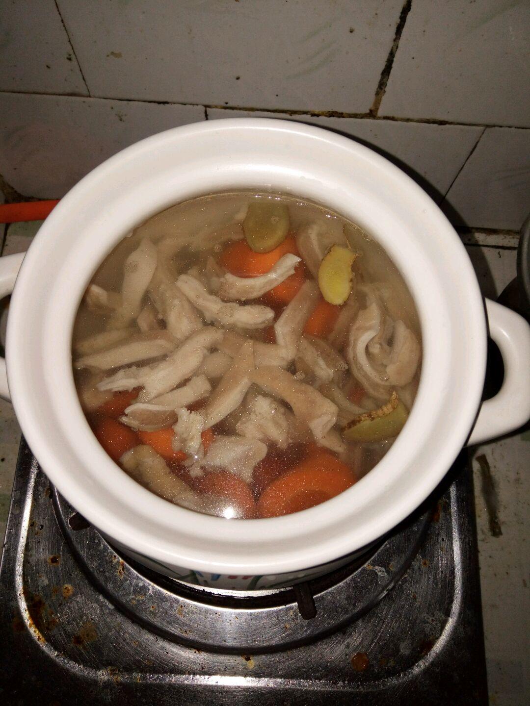 肚丝萝卜汤的做法图解4