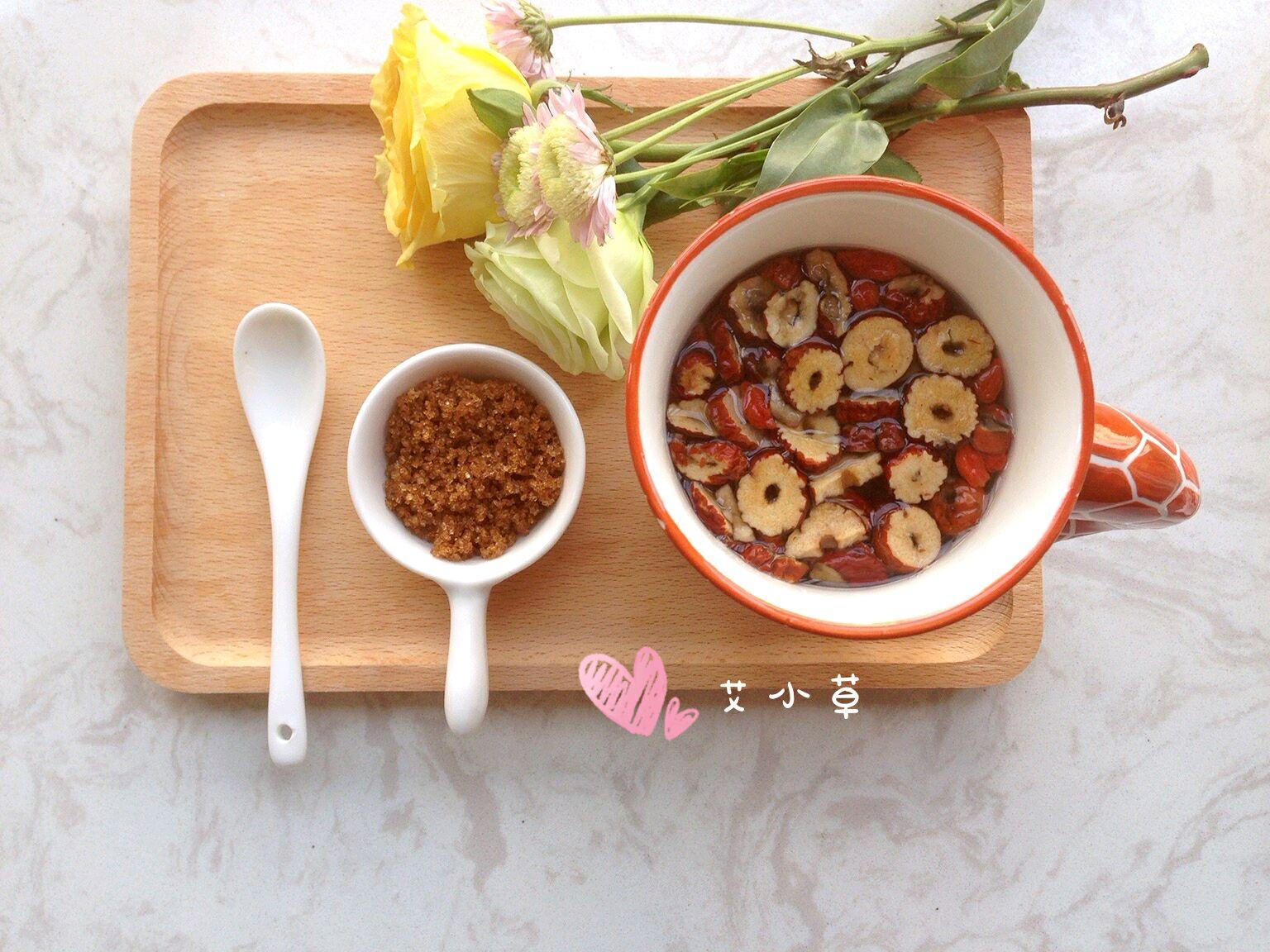 桂圆红枣枸杞养身茶