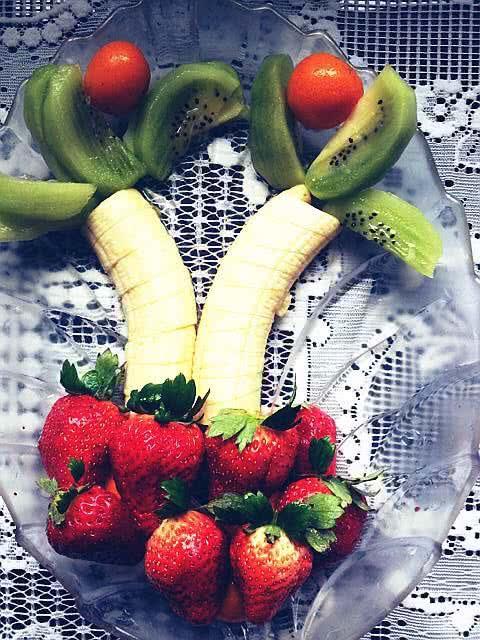 创意水果拼盘的做法图解1-创意水果拼盘 贴贴图图