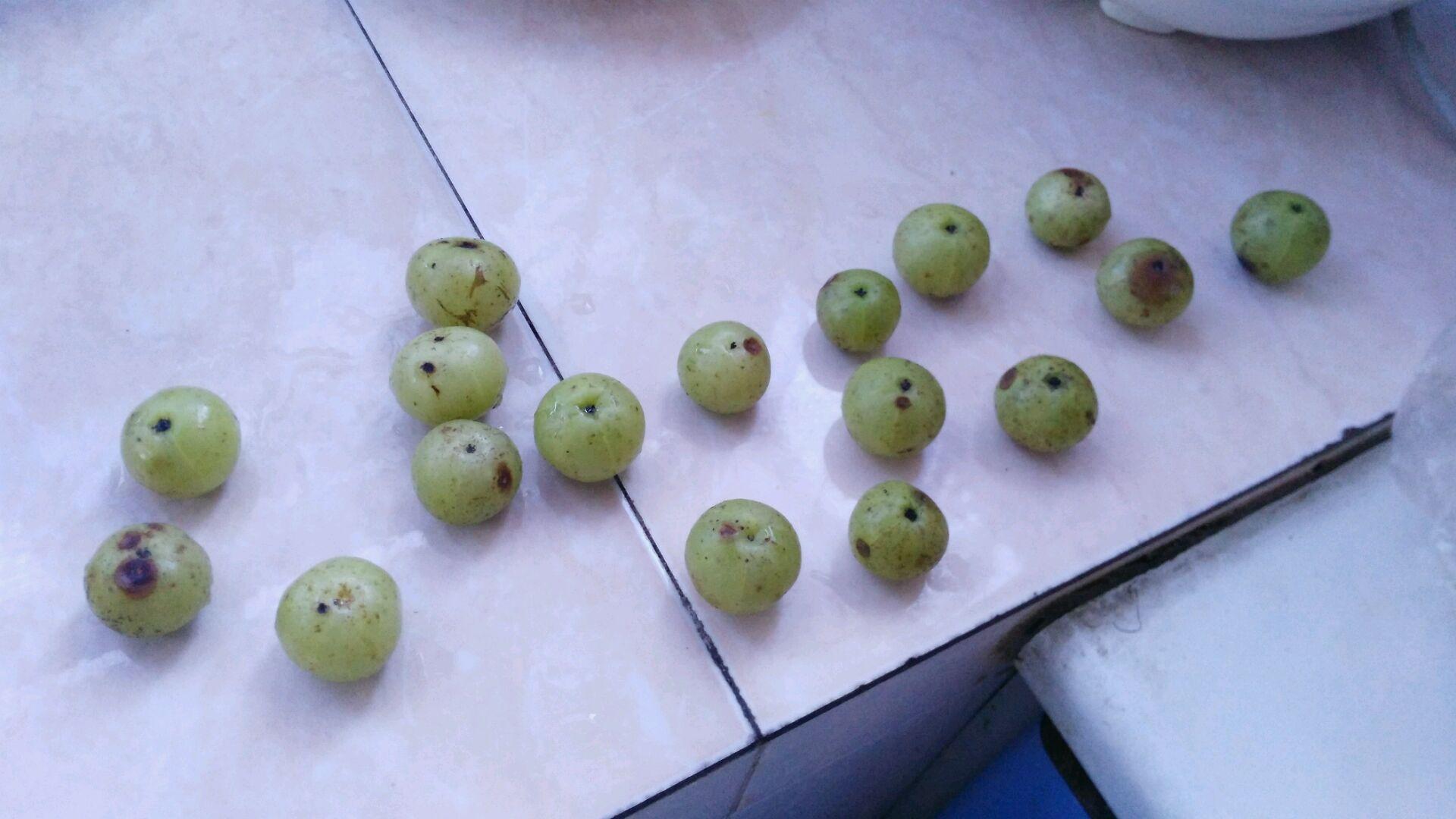 泡甘草橄榄的做法步骤