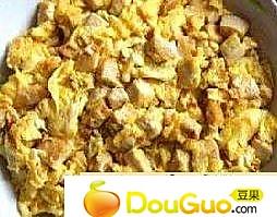 豆腐炒鸡蛋的做法