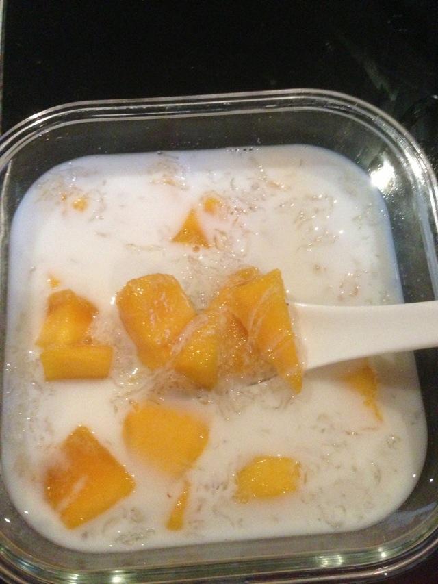 椰汁芒果燕窝的做法