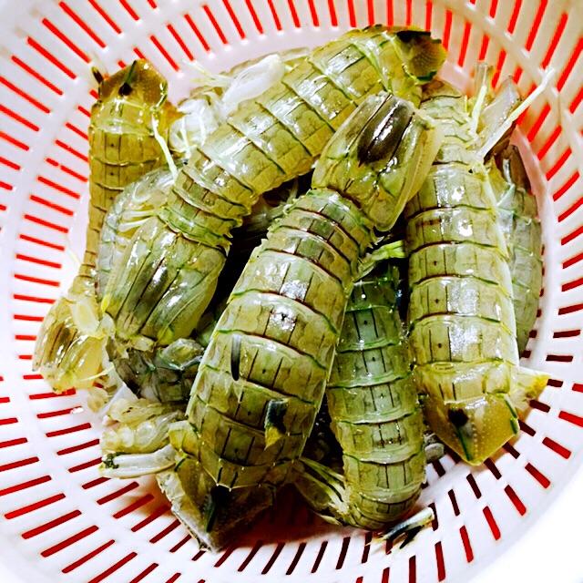 蛋黄焗皮皮虾的做法图解1