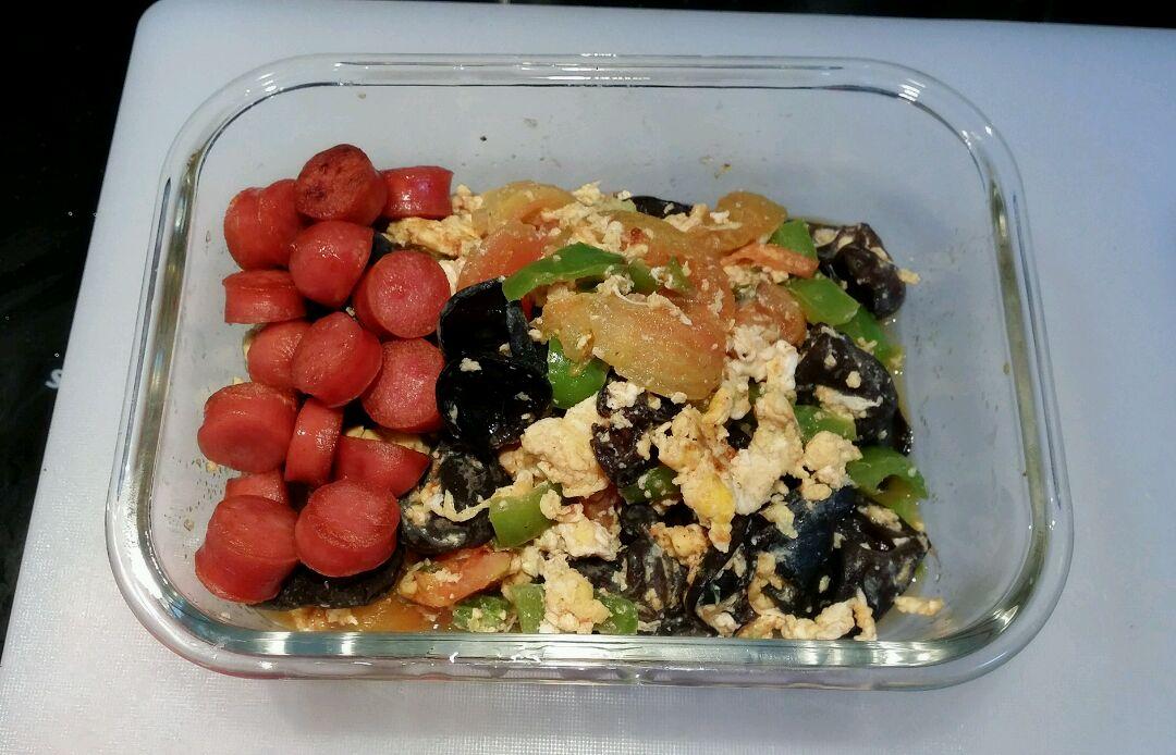 1个 木耳番茄炒蛋—快手营养工作餐的做法步骤 分类:        本菜谱的