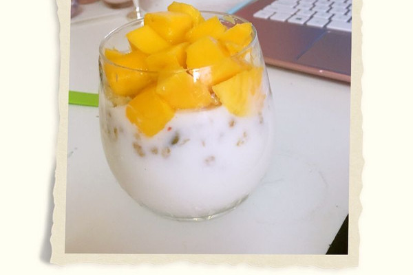 酸奶燕麦芒果杯的做法