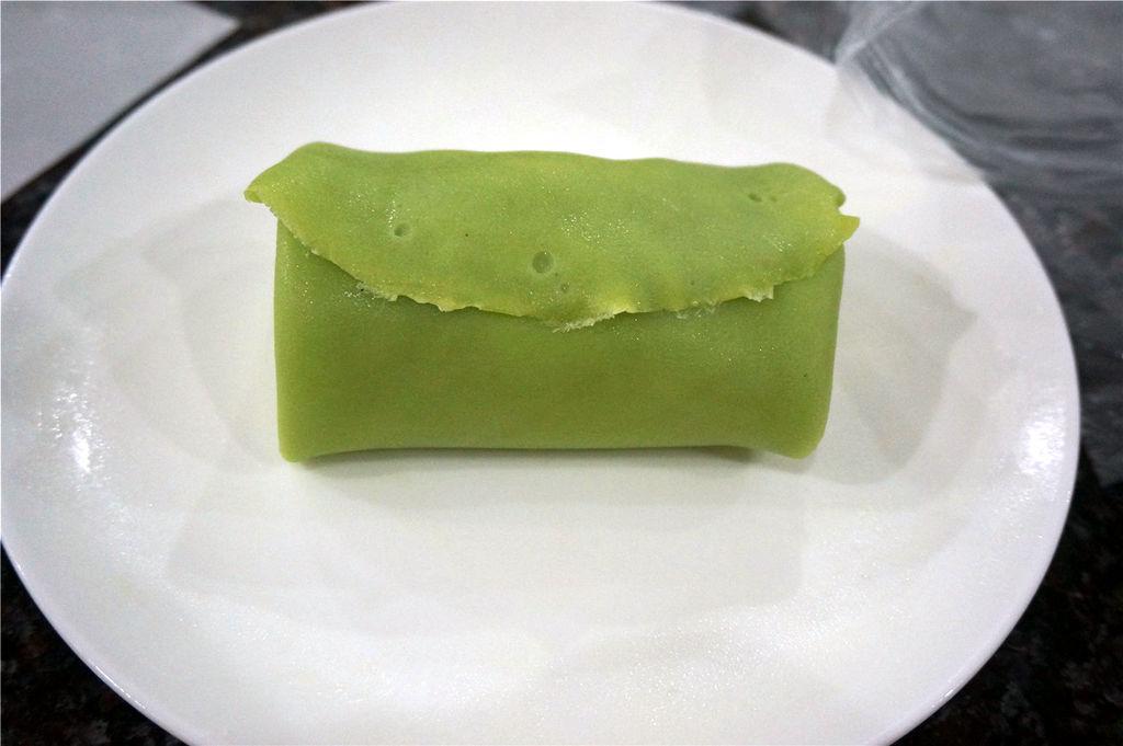 绿茶榴莲班戟的做法_【图解】绿茶榴莲班戟怎么做