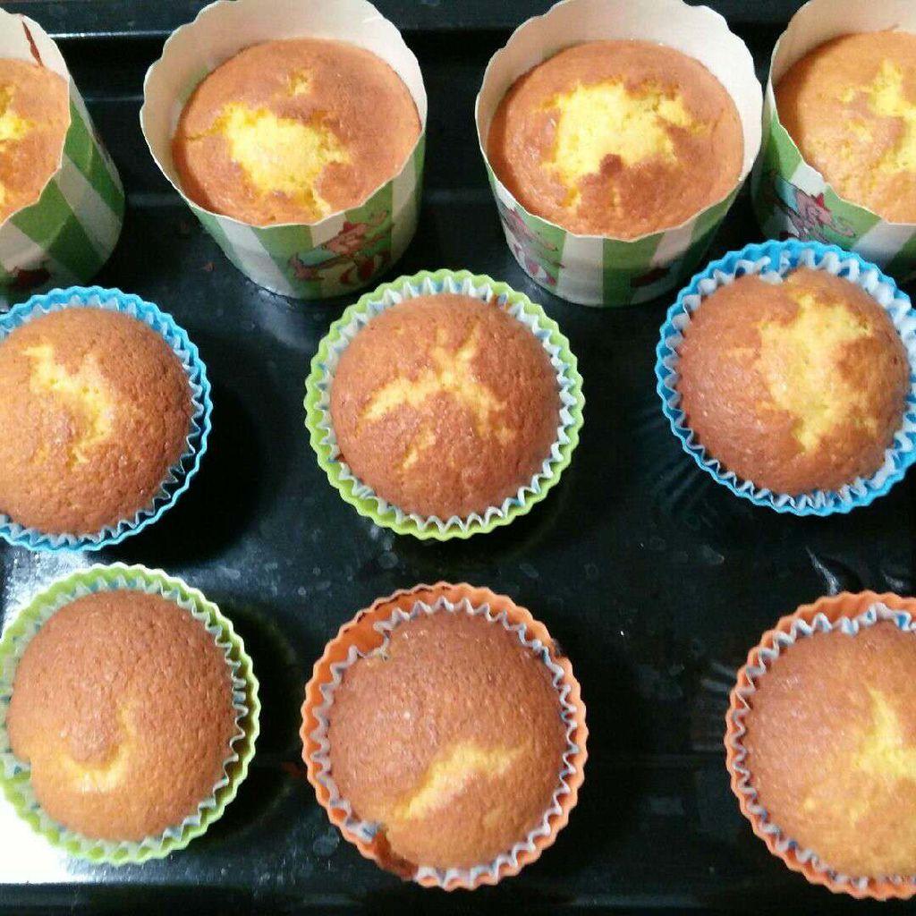 香橙全蛋海绵杯子蛋糕