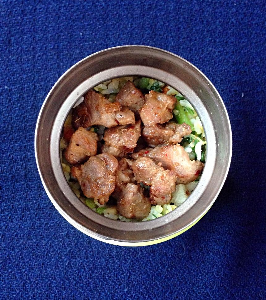 白米饭一大碗图片