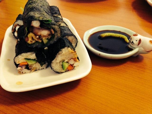 卷寿司的做法_【图解】卷寿司怎么做如何做好吃_卷_爱