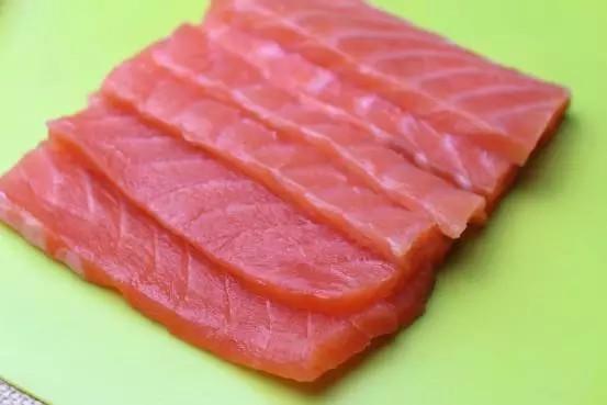 刺身三文鱼的做法图解2