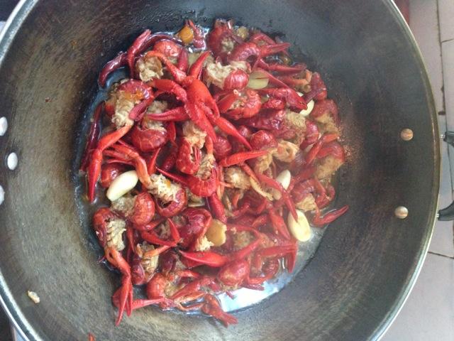香辣小龙虾干锅的做法图解2