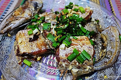 干煎蒜香带鱼
