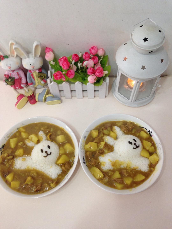 儿童餐-奔跑的小兔子之咖喱牛肉土豆饭图片