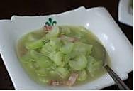 玫瑰家园小厨房--咸肉西葫芦滚汤的做法