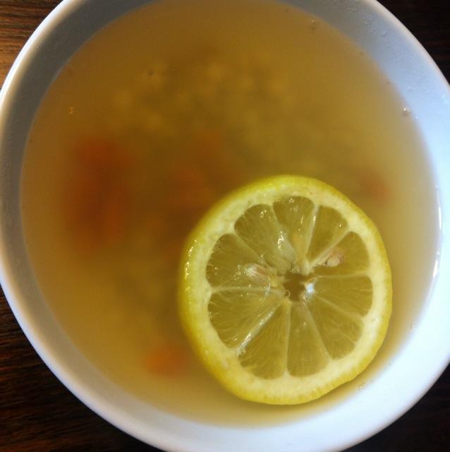 薏米仁煲檸檬水的做法_【圖解】薏米仁煲檸檬水怎麼 ...