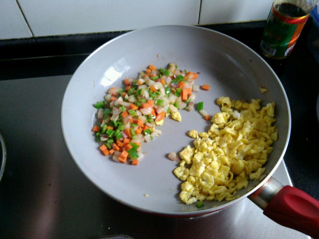培根蛋炒饭的做法步骤