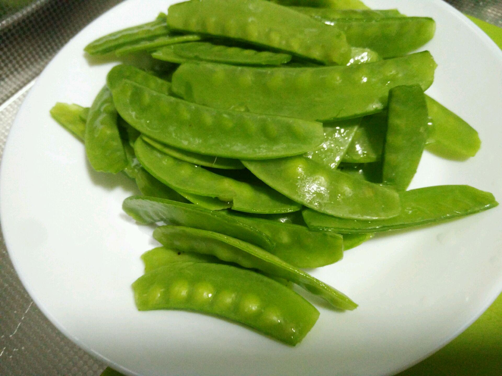 腊肠荷兰豆的做法图解1