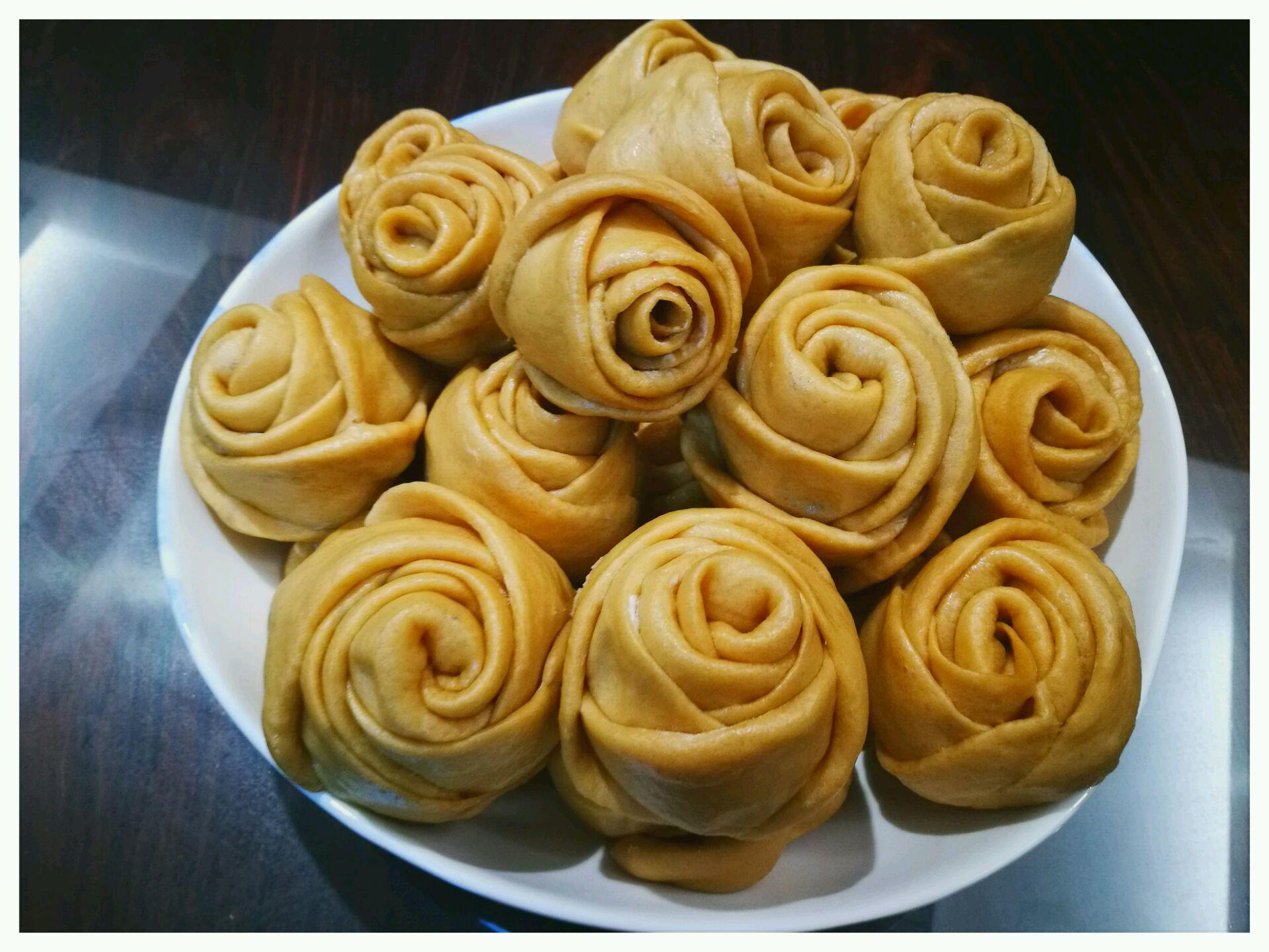 玫瑰红糖馒头的做法_【图解】玫瑰红糖馒头怎么做