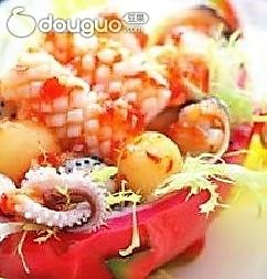 火龙果海鲜盒的做法