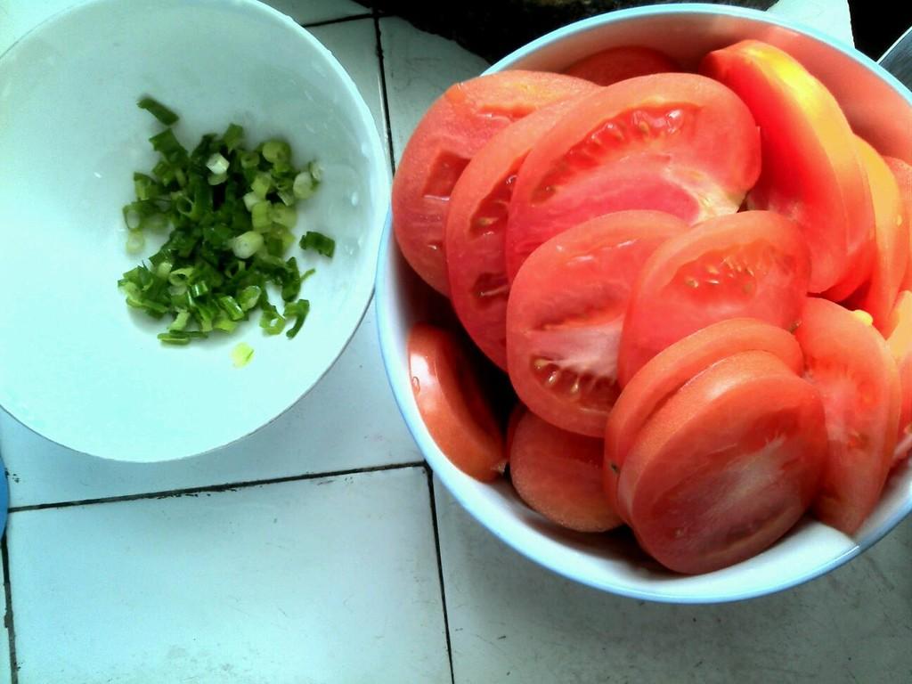 简易西红柿炒鸡蛋的做法步骤