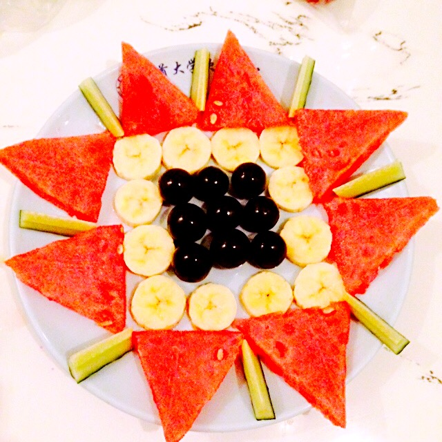 简单水果拼盘图片
