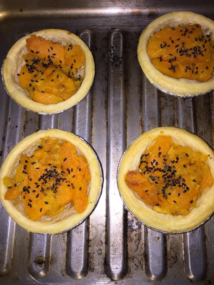 蛋挞式咸蛋黄焗南瓜条的做法图解9