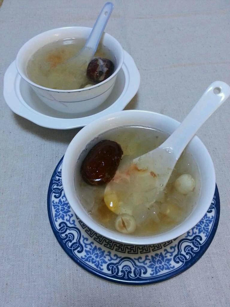 皂角米桃胶红枣糖水的做法图解2