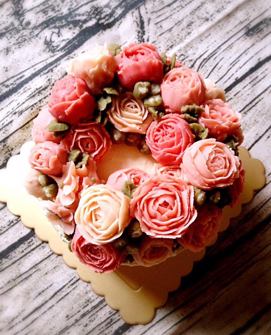 戚风蛋糕6寸 韩式裱花的做法步骤 小贴士 豆沙,戚风的制作方法之前有