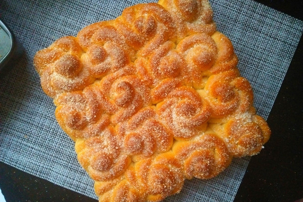 玫瑰花椰蓉面包的做法