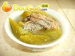 苦瓜大蒜排骨汤的做法