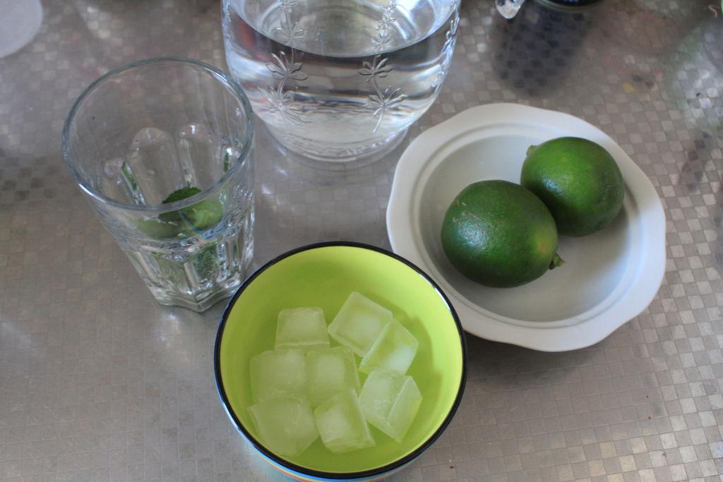 青柠檬薄荷苏打水