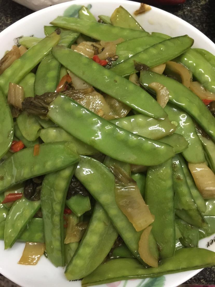 酸菜荷兰豆的做法图解1