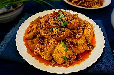 香辣酱汁焖豆腐