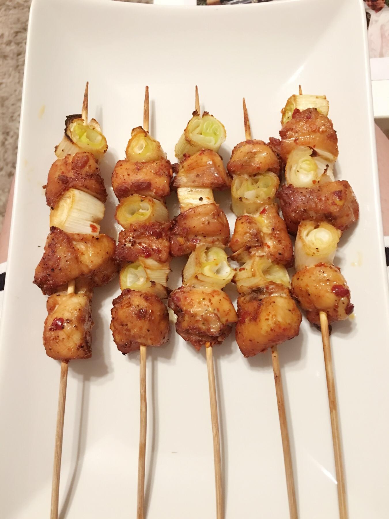 刺火烤_烧鸟屋大葱鸡肉烤串