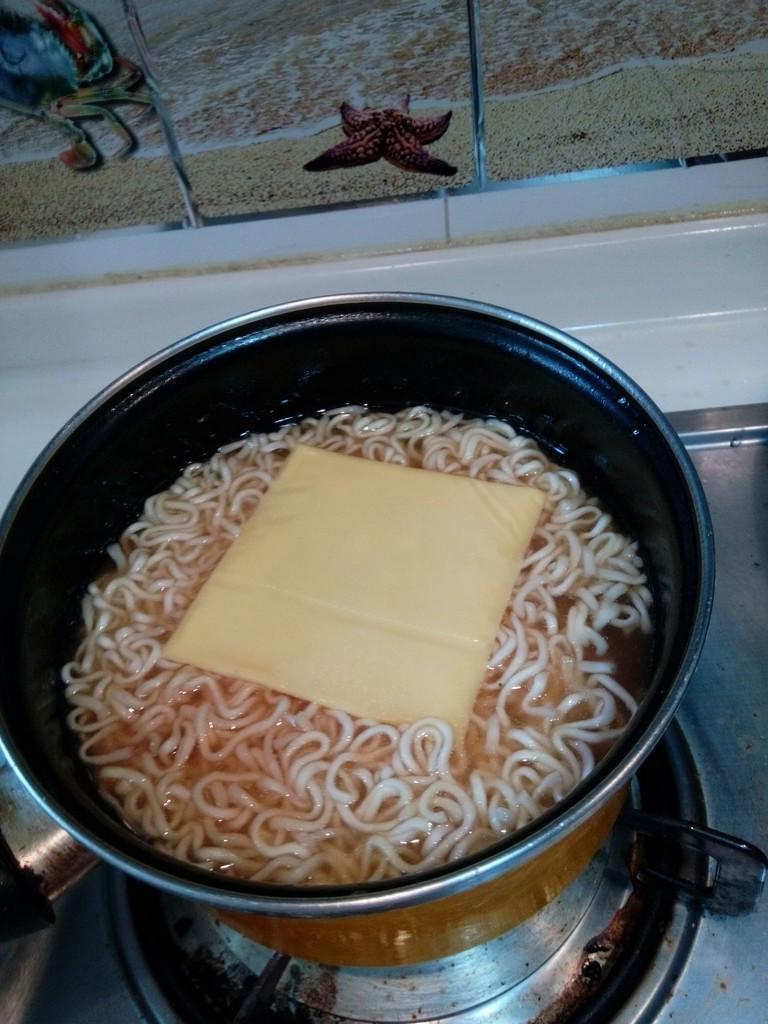 奶酪火锅拉面的做法图解5