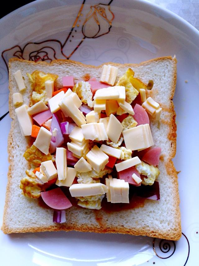 简易切片面包披萨