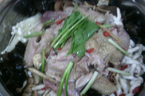 珍菌美食的笋鸡_【图解】珍菌位置做抚松县笋鸡做法图片