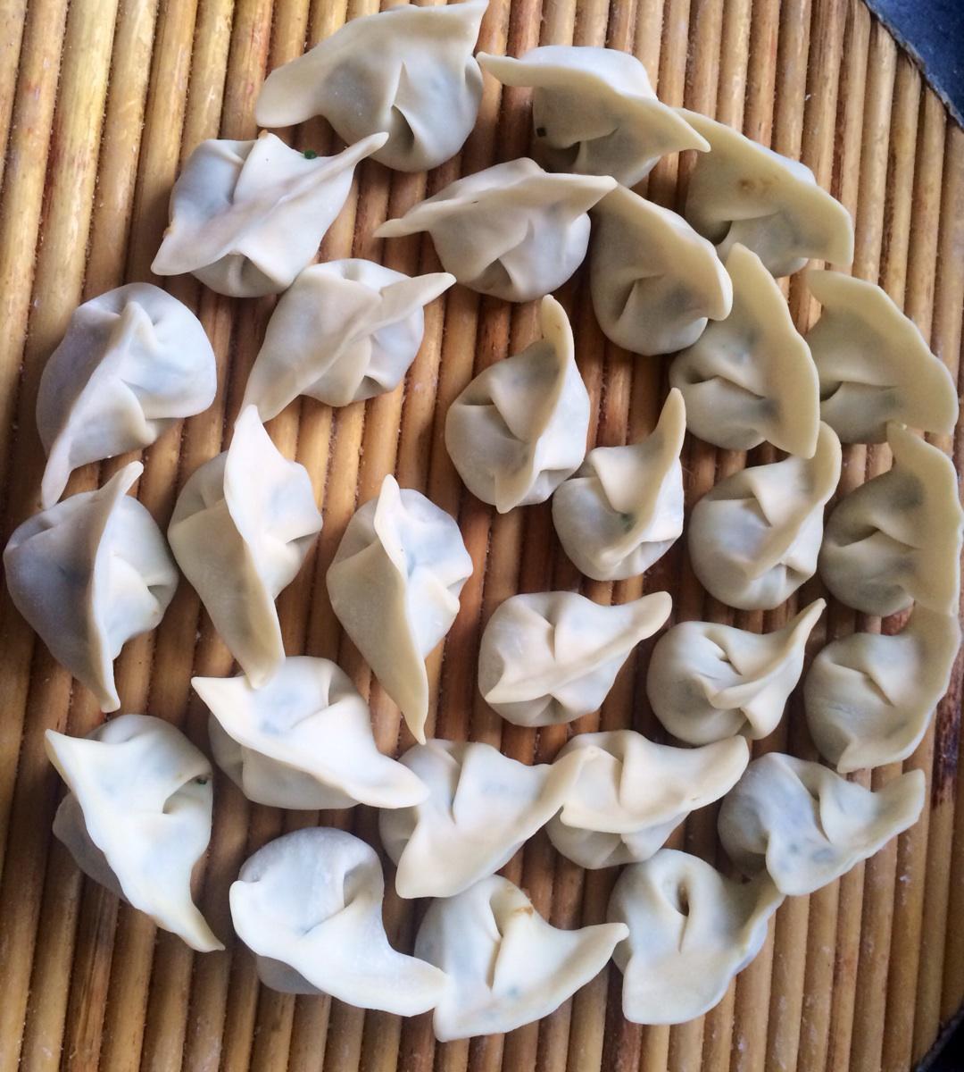 包出自己心仪的饺子形状