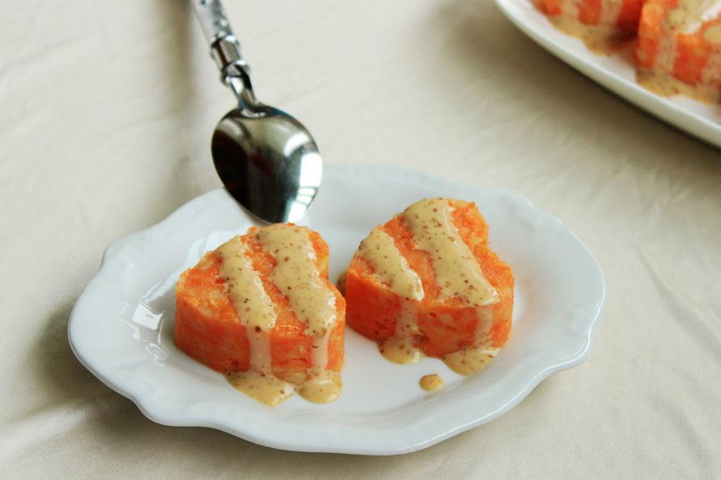 做成的胡萝卜土豆泥
