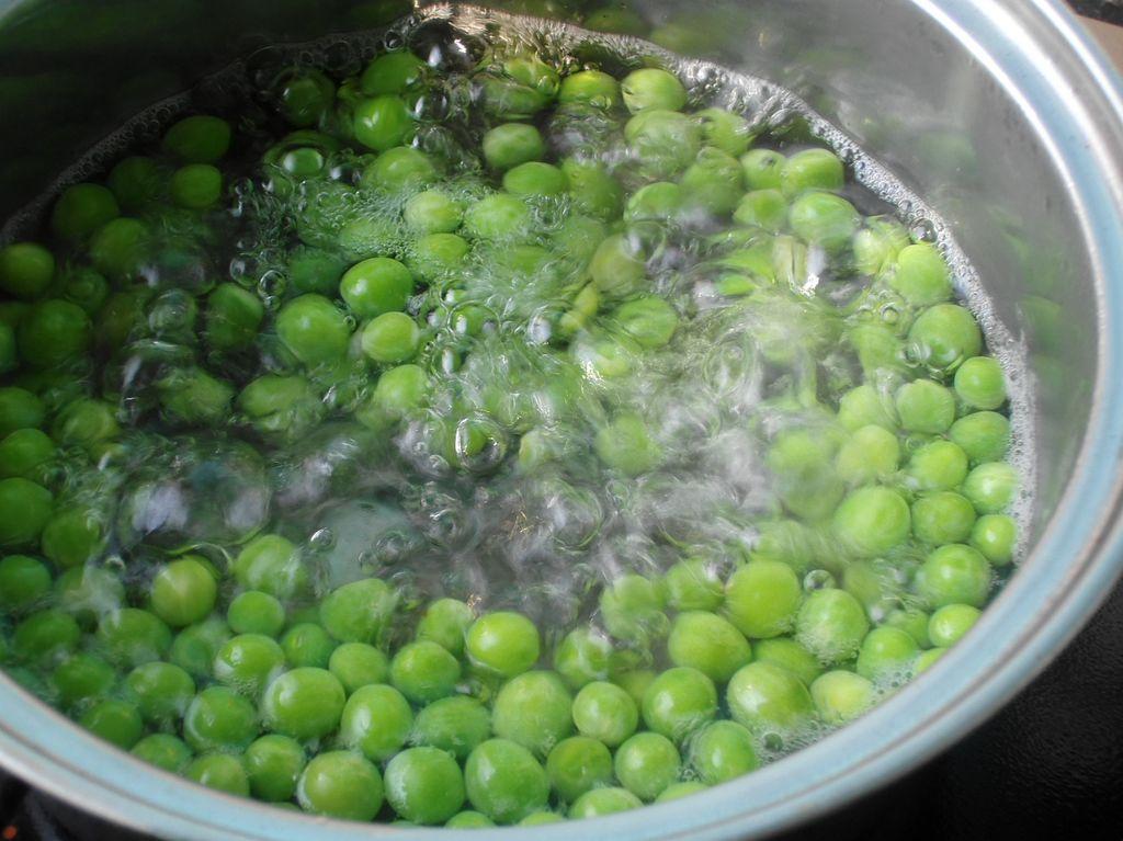 豌豆炒鸡的做法图解5