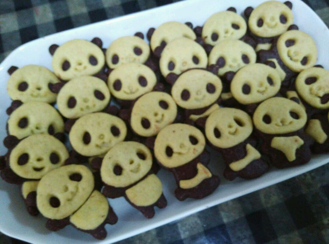 萌萌哒熊猫饼干的做法