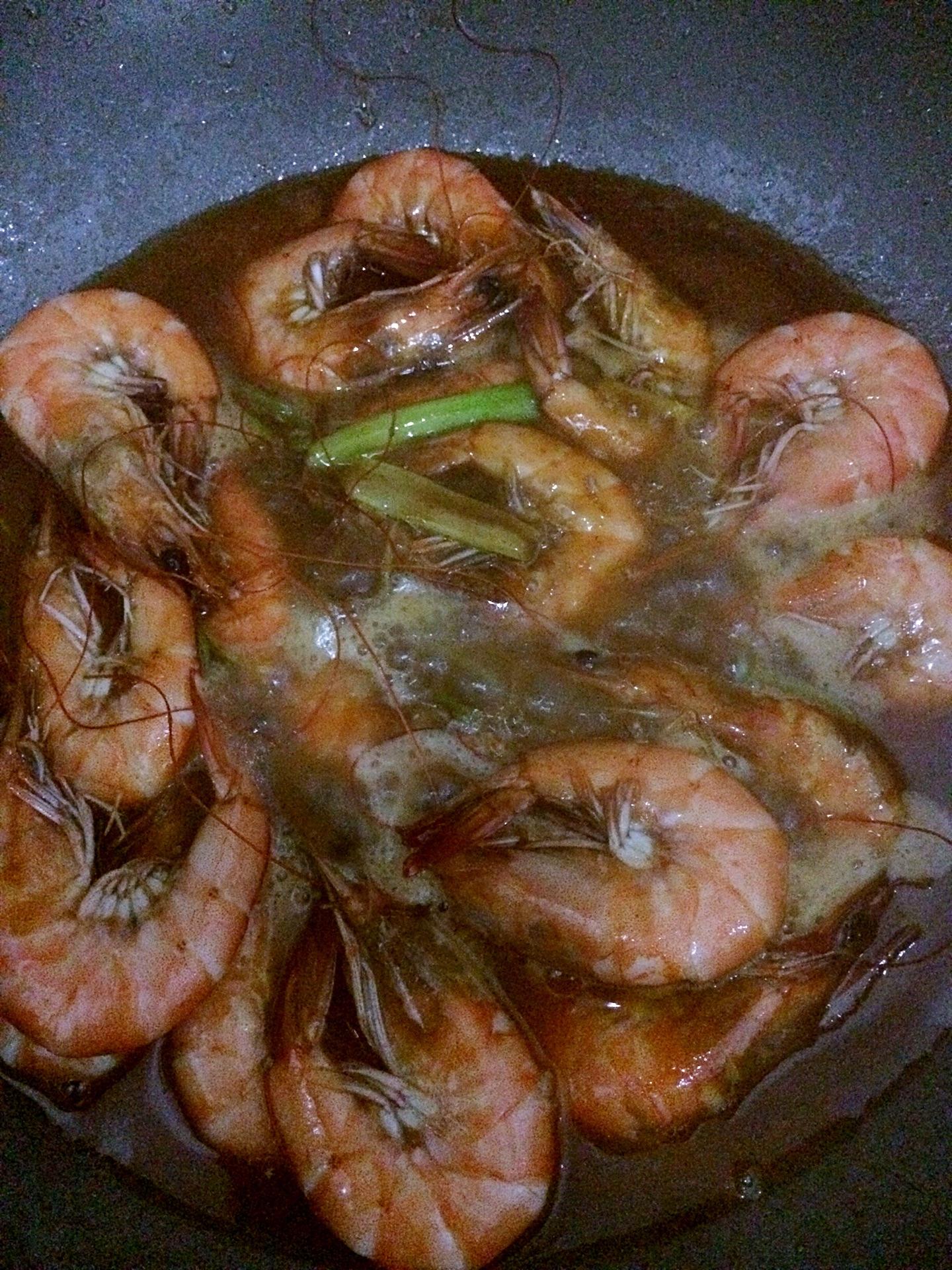 红酒焖虾的做法图解9