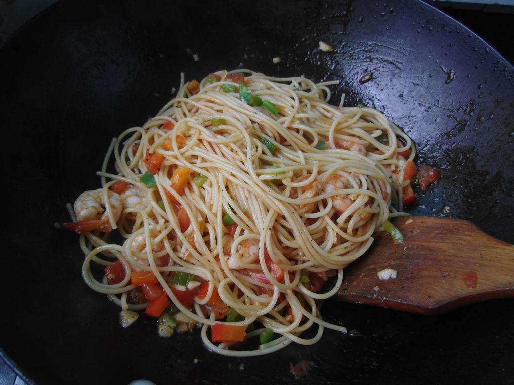 番茄鲜虾意大利面的做法图解10