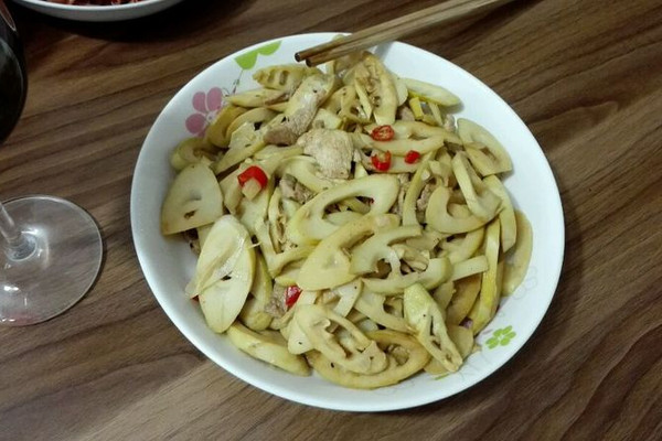 辣炒春笋肉片的做法 辣炒春笋肉片怎么做如何做好吃 辣炒春笋肉片家常做法大全 多多家厨娘 豆果美食
