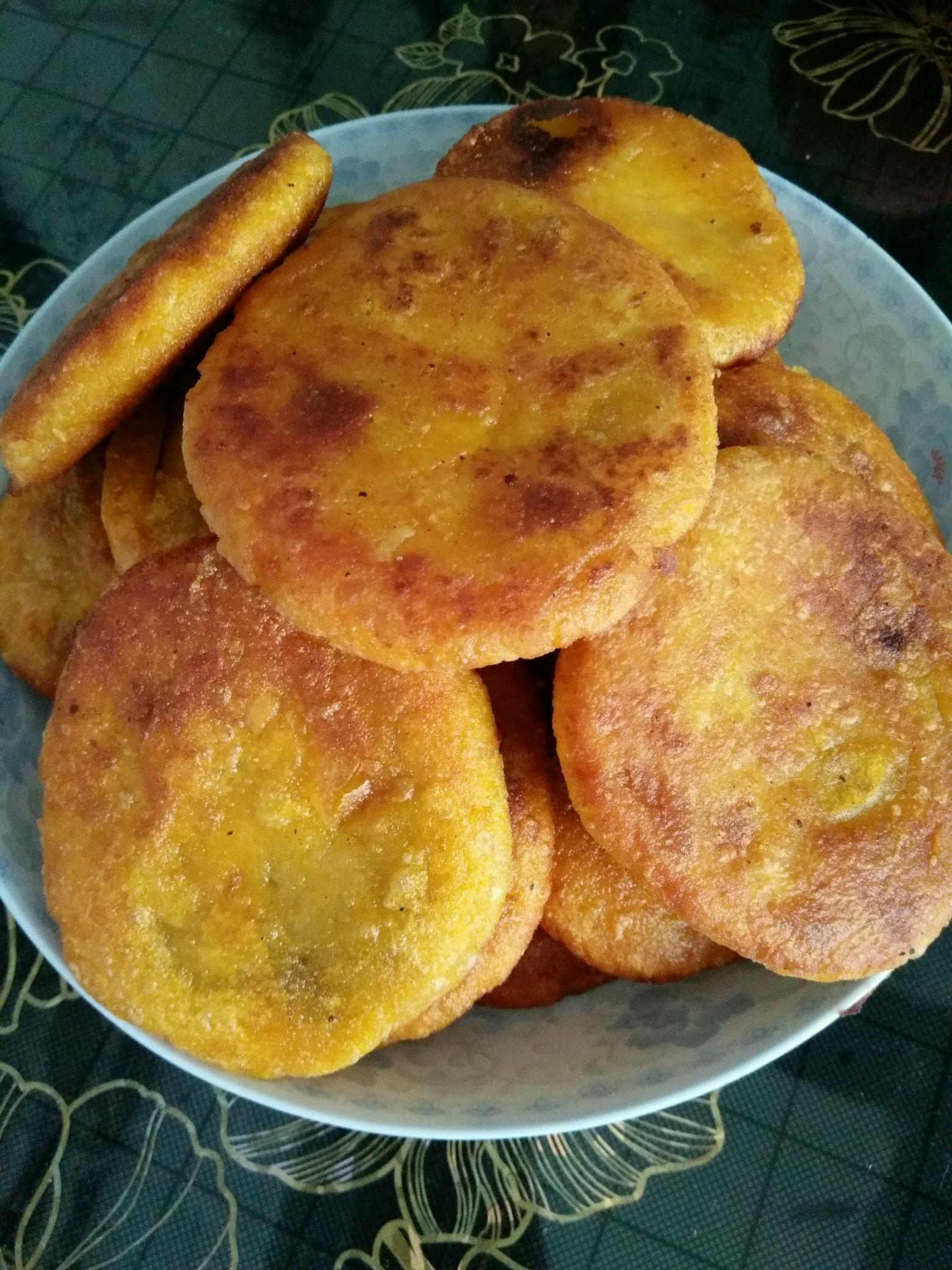 主料 半个 红豆沙半袋 水磨糯米粉300g 南瓜饼的做法步骤 小贴
